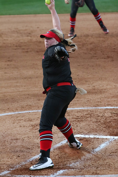 Georgia pitcher Brittany Gray (18) pitches during an NCAA softball game between Georgia and Boston College at Jack Turner Stadium on March 8, 2016 in Athens, Ga.(Photo by Emily Selby)